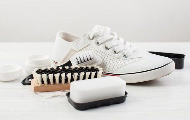 MrBo cung cấp dịch vụ vệ sinh giày hcm chuyên nghiệp