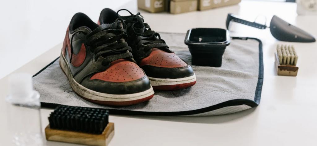 Vật dụng cần thiết để vệ sinh giày air jordan