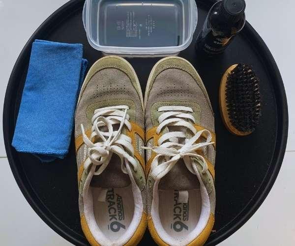 Dụng cụ để vệ sinh giày ananas