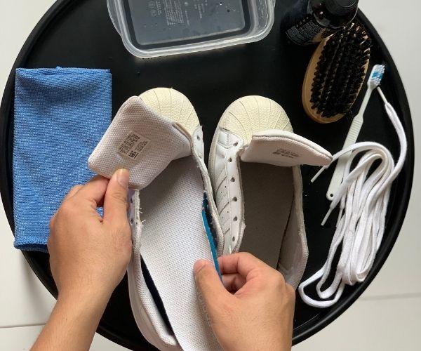 tháo lót giày adidas